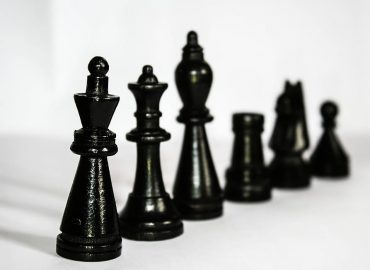 chess-figures-black-hierarchy